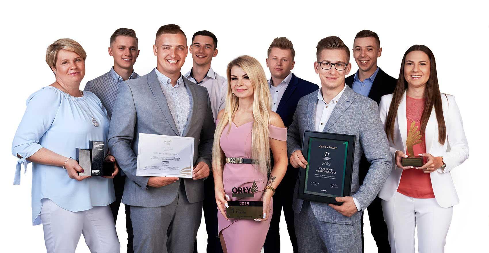 Zespół profesjonalnych i wykwalifikowanych agentów nieruchomości Biura Ideal Home w Rzeszowie.