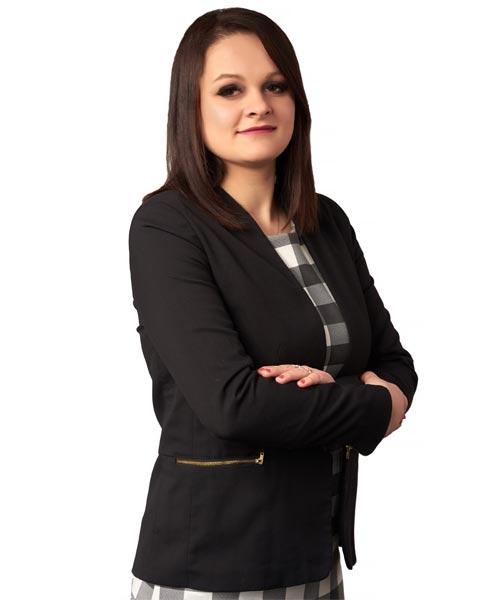 Edyta Woźniak - Starszy doradca ds. sprzedaży nieruchomości ze specjalizacją w obrocie nieruchomościami z rynku pierwotnego.